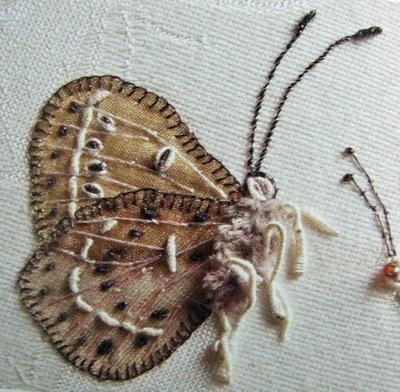 Nikkis_book_butterfly_beige